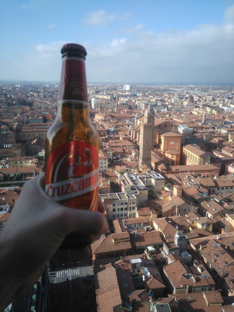 Cruzcampoman en Bologna