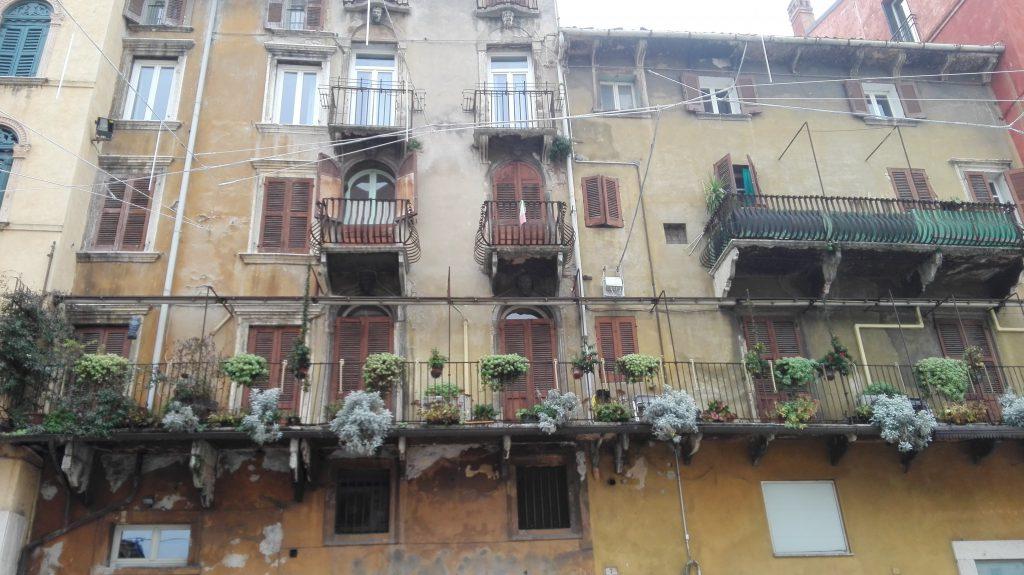 fachada casas veronesas